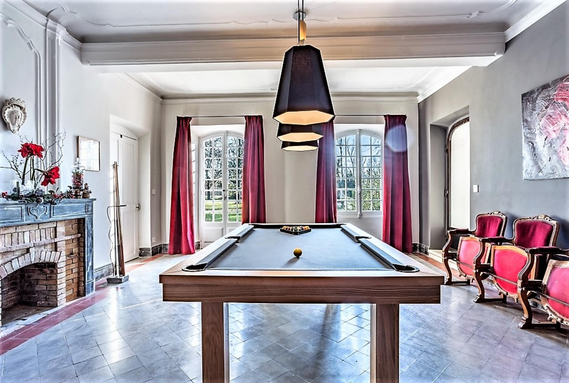 A GREAT ROOM TO PLAY A GAME OF POOL