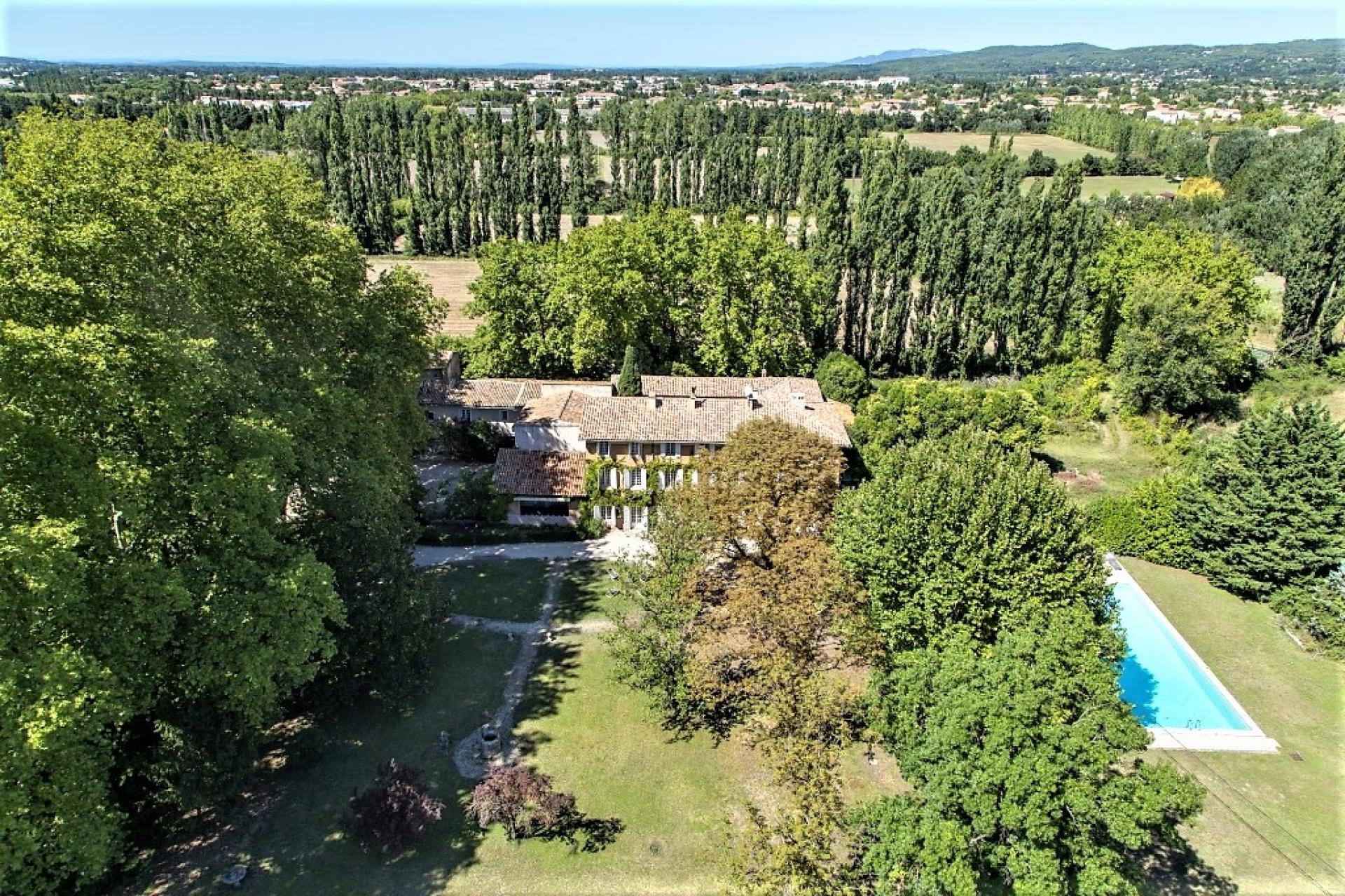 AREAL VIEW OF THE VILLA BASTIDE DE LA SORGUE
