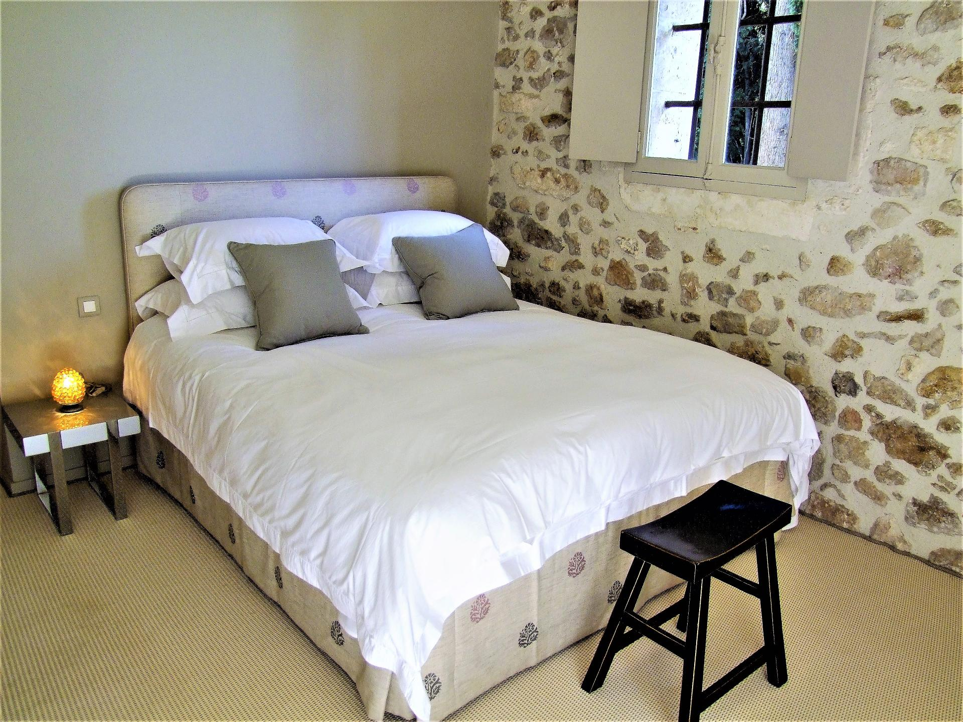 ONE OF THE BEDROOMS IN LA DEMEURE DES SEIGNEURS VILLA