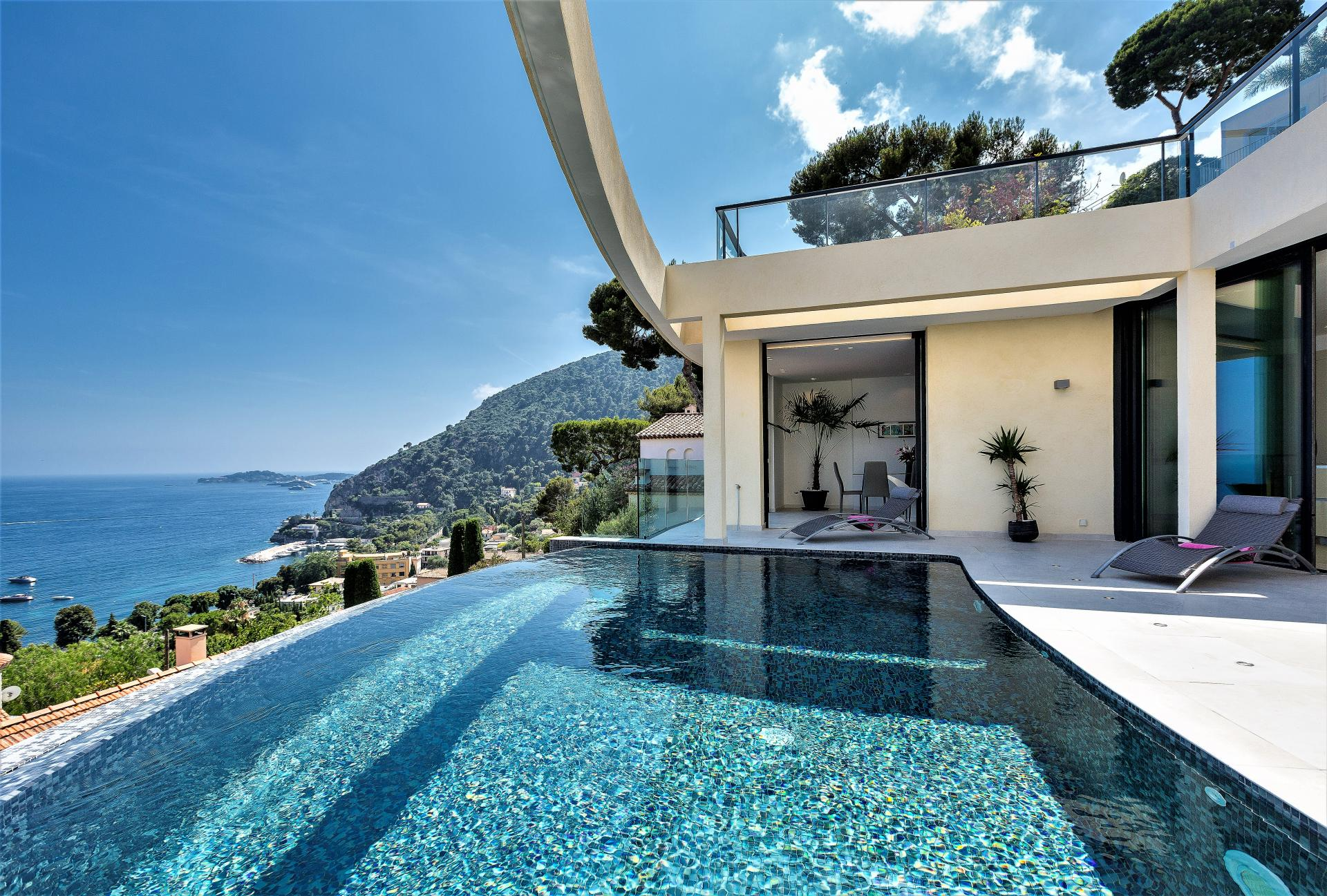LUXURY VILLA HOLIDAY RENTAL WITH SEA VIEWS IN EZE IN THE COTE D'AZUR SOUTH