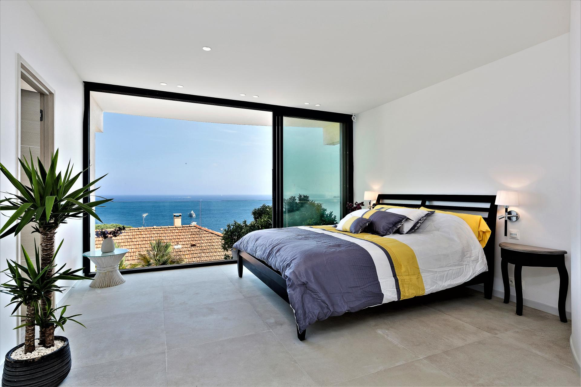 VILLA INFINITY AND ONE OF ITS NICE BEDROOM FOR A GREAT HOLIDAY IN EZE COTE D'AZUR