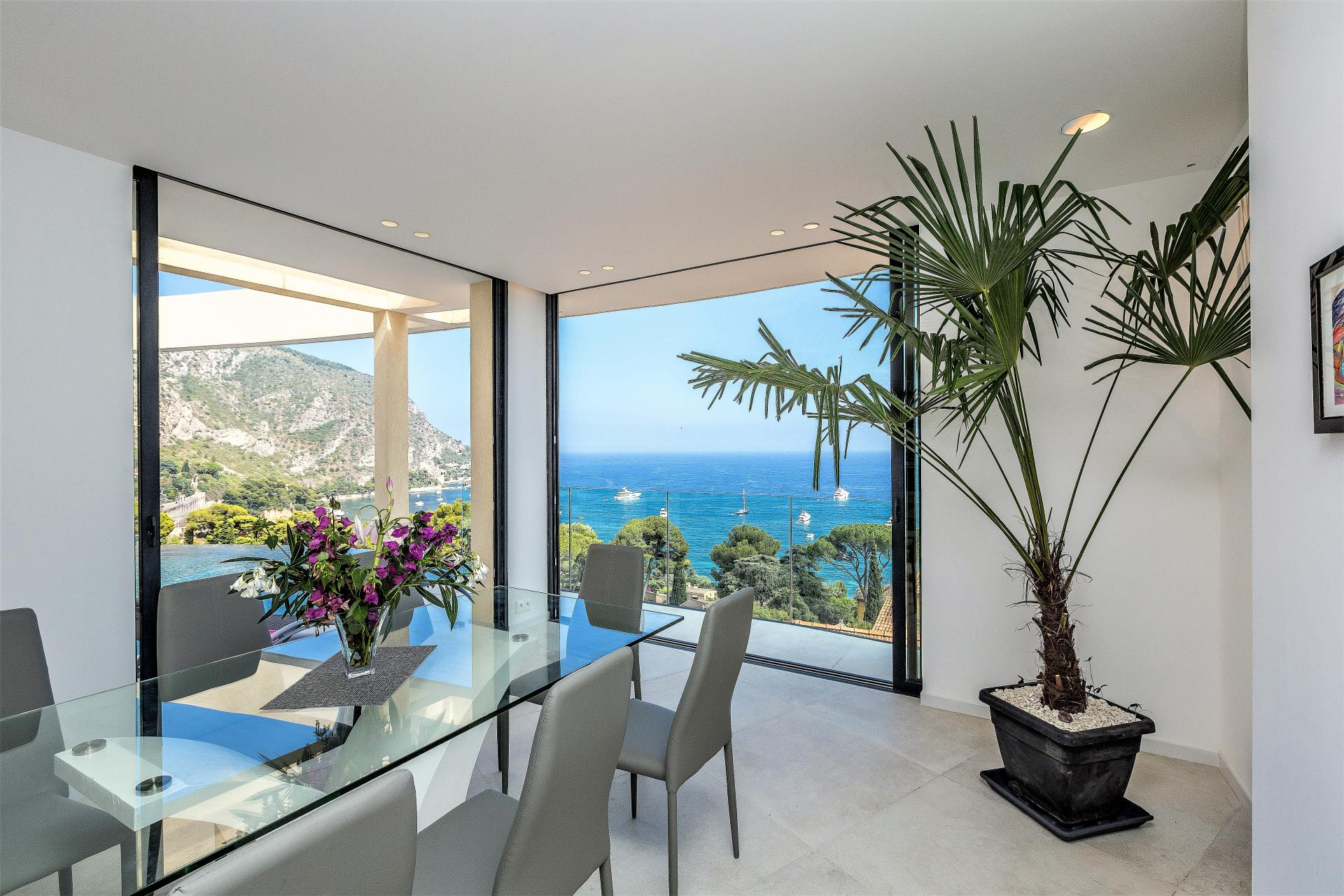 GREAT SEA VIEWS FROM A HOLIDAY VILLA IN EZE