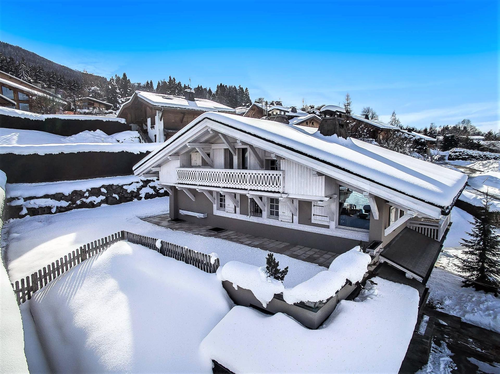 A BEAUTIFUL CHALET TO RENT FOR YOUR SKI HOLIDAY IN THE FRENCH ALPS