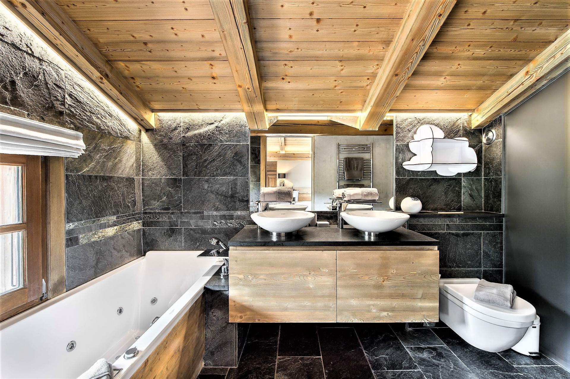 A BEAUTIFUL BATHROOM IN A SKI HOLIDAY CHALET IN THE FRENCH ALPS