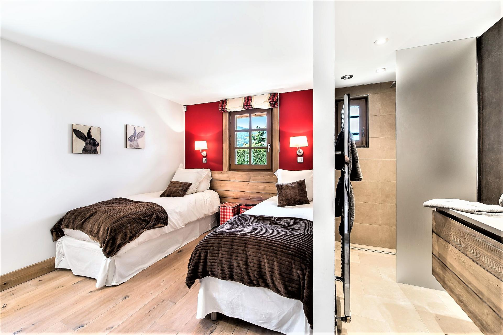 ANOTHER TWIN BEDROOM IN CHALET DES ARAVIS