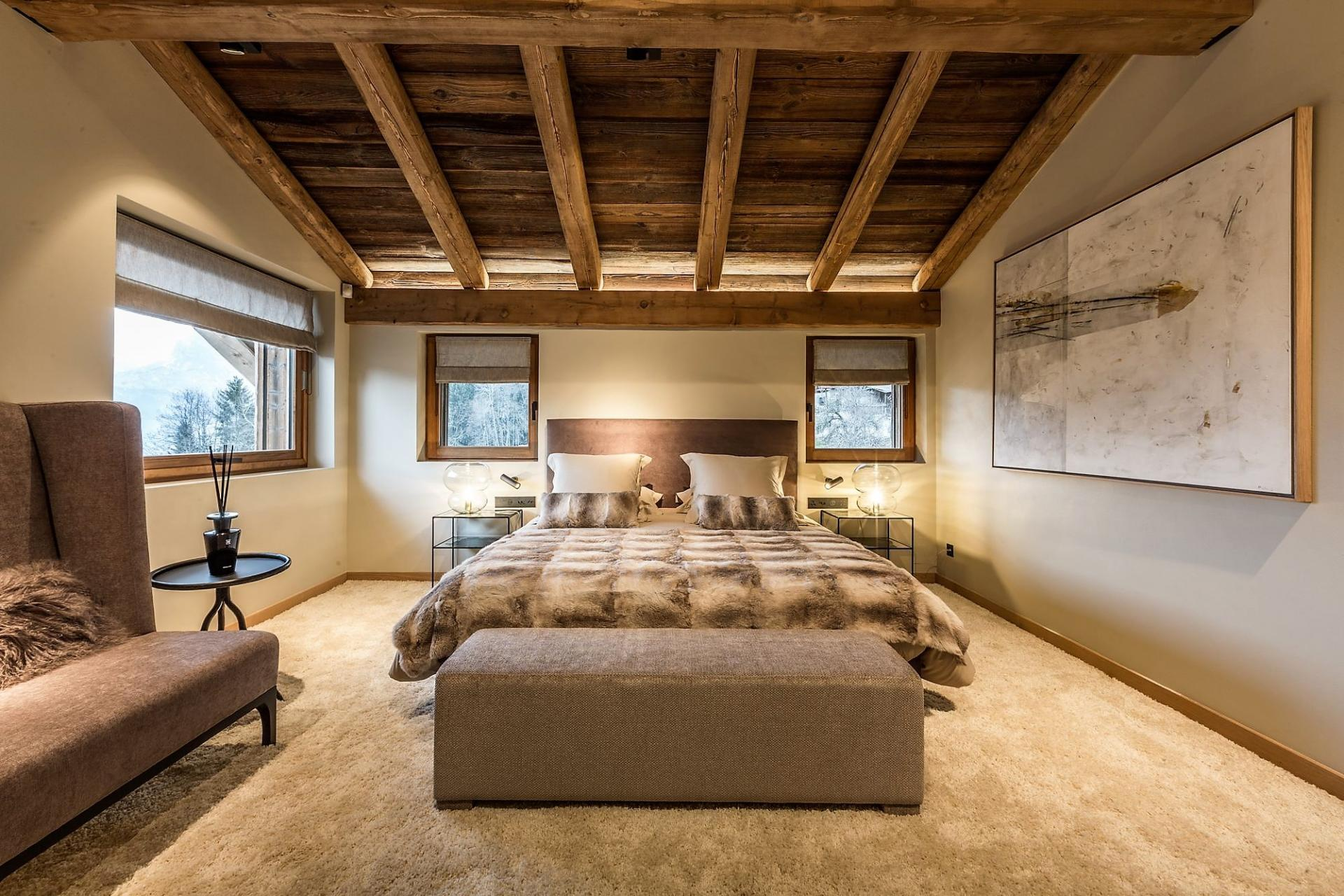 CHALET DES CHOZEAUX RENTAL AND ITS MASTER BEDROOM