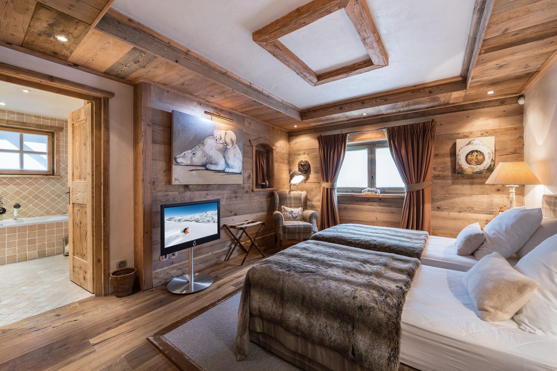 ANOTHER BEDROOM IN CHALET BELLECOTE