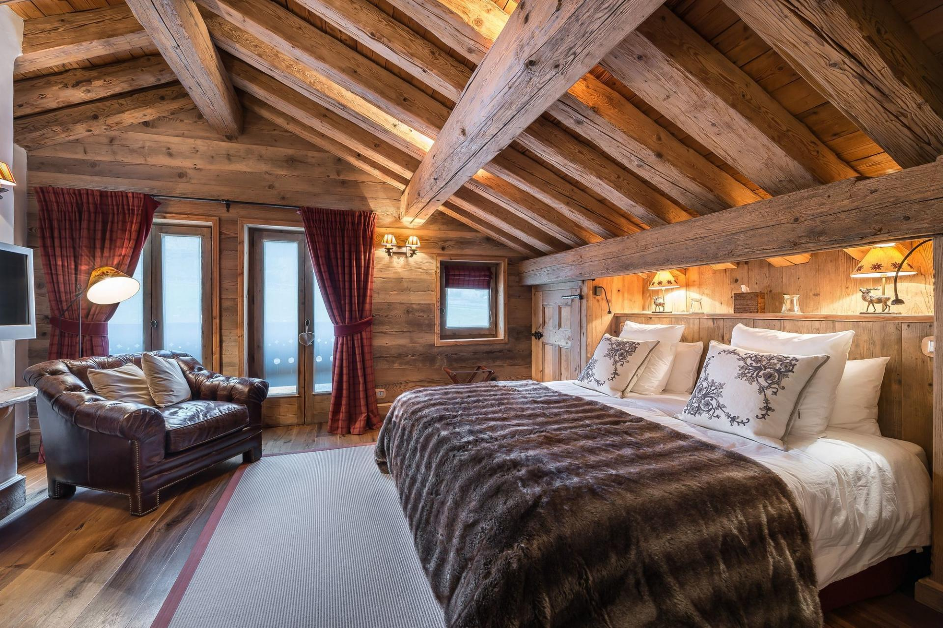 ANOTHER GUEST BEDROOM IN CHALET BELLECOTE