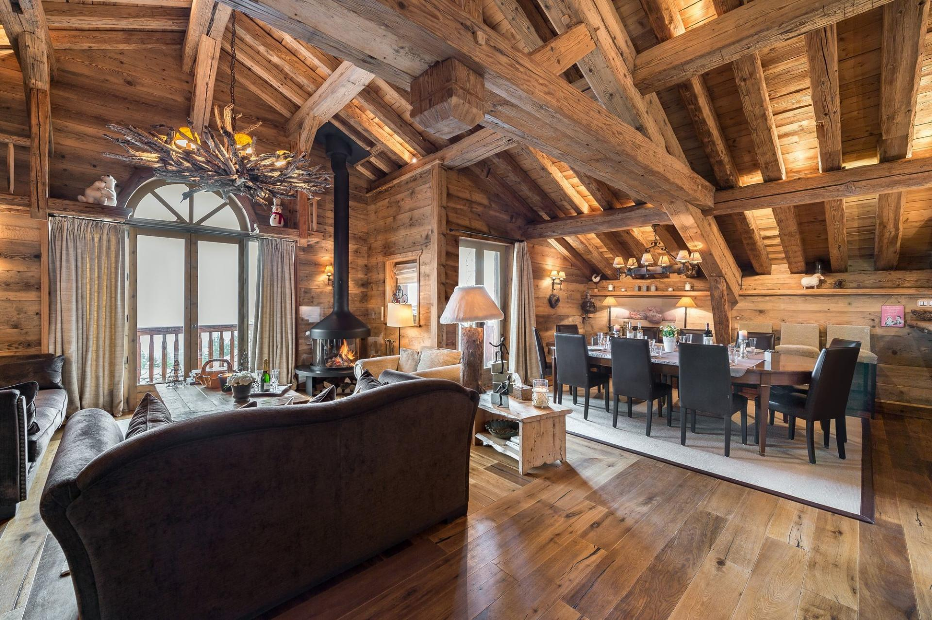 A LUXURY SKI HOLIDAY RENTAL IN  COURCHEVEL 1850