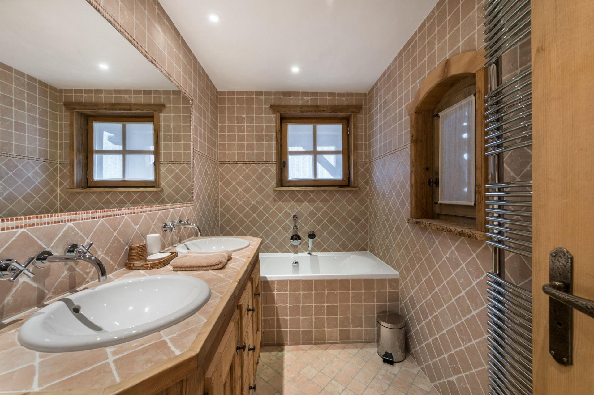 ANOTHER BATHROOM IN CHALET BELLECOTE IN THE FRENCH ALPS